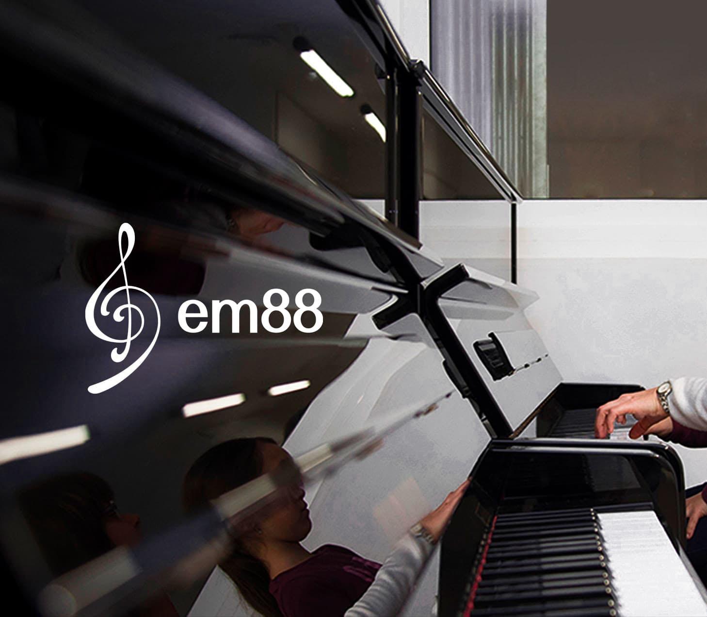 em88-portada-piano2